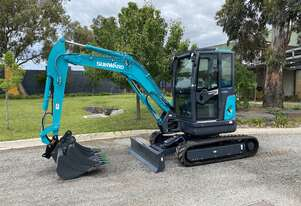 2020 Sunward SWE35UF 3.8T MINI EXCAVATOR PRICE INCLUDES 3 Buckets and Double acting Quick hitch
