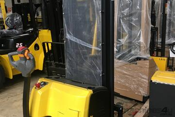 Ex Demo 1.5T Electric Walkie Stacker