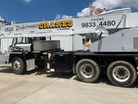 1990 Kato Hydraulic Truck Crane - picture2' - Click to enlarge