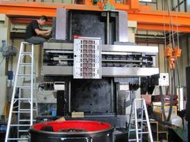Yu Shine heavy duty CNC Vertical Lathes - picture13' - Click to enlarge