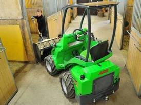 Avant mini loader 400 series - picture7' - Click to enlarge