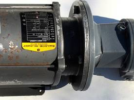 .75 KW DC Motor Sew-Eurodrive KA37 Reduction Drive Gearmotor  Ratio : 25:1  KG : 37 - picture0' - Click to enlarge
