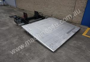 2 TONNE D-HOLLANDIA ALLOY UPRIGHT TAILGATE