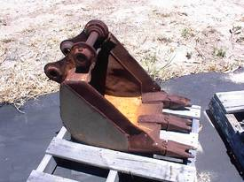 Excavator bucket 400mm 2.5 tonne - picture2' - Click to enlarge