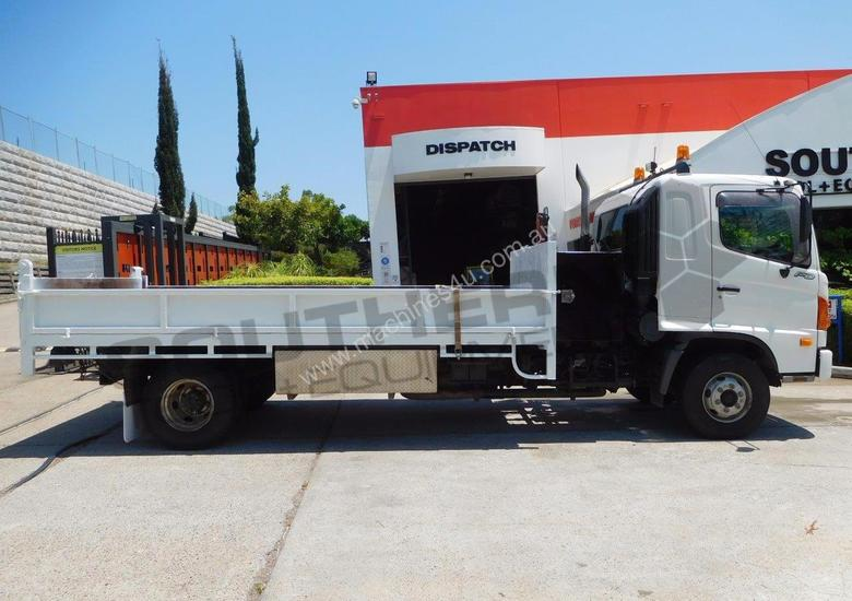 FD1J Tipper Truck with crane, only 140,000Kms