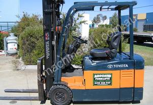 **RENT NOW*  Toyota 3 wheel battery/electric
