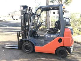 Toyota Forklift 2.5 Ton 4700mm Lift Container Mast - picture0' - Click to enlarge