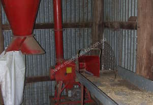 CHAFF CUTTER WITH LOADING TABLE