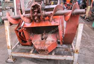 Ditch Witch H615 , centre mount