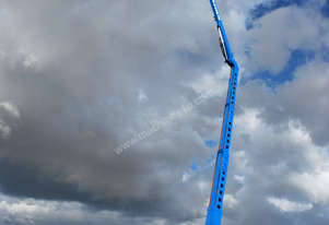 2011 Genie Z-135/70 Articulating Boom Lift