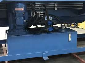 2506NC2 - 2 AXIS NC Programmable Panbrakle Folder - picture4' - Click to enlarge