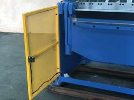 2506NC2 - 2 AXIS NC Programmable Panbrakle Folder - picture20' - Click to enlarge