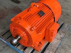 55 kw 75 hp 6 pole 415 volt Brake Electric Motor - picture1' - Click to enlarge