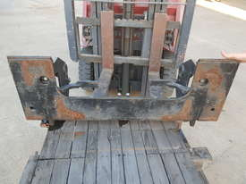 Cat Skid Steer Bucket Quick Coupler - picture2' - Click to enlarge
