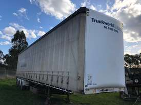 Maxitrans 45ft Curtainsider - full set of gates - picture3' - Click to enlarge