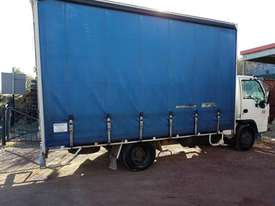 ISUZU 2005 NQR 450 MEDIUM RIGID TAUTLINER/CURTINSIDER 4.5 mt tray - picture2' - Click to enlarge