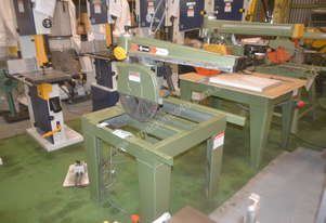 Maggi Heavy duty radial arm saw