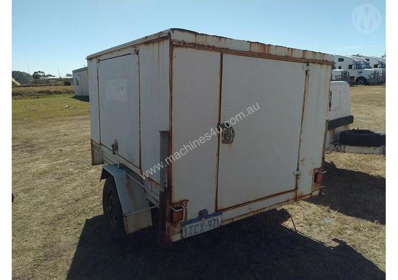John Papas 6X4 Enclosed