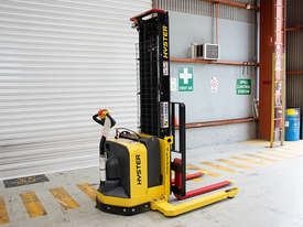 Battery Electric Walkie Stacker - picture3' - Click to enlarge