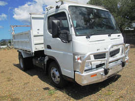 Mitsubishi Canter 715 Tipper Truck - picture1' - Click to enlarge