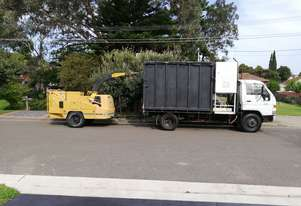 Toyota Dyna 300 Tipper/chipper truck and Wood chipper - Combo