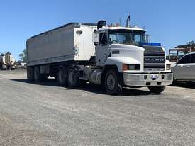 MACK TIPPER TRUCK - picture0' - Click to enlarge