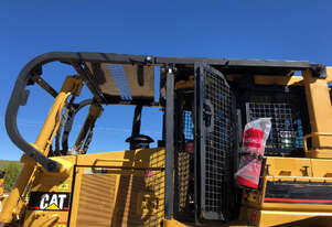 2020 Caterpillar D6T Sweeps, Screens and Roof