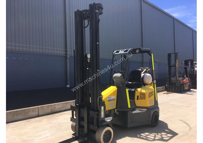2.0 CNG Narrow Aisle Forklift