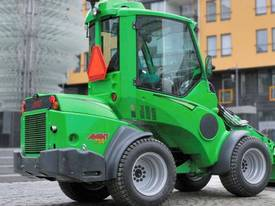 Avant 700 series Loader  - picture3' - Click to enlarge