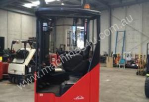 LINDE R16X NEARROW AISLE HIGH REACH FORKLIFT