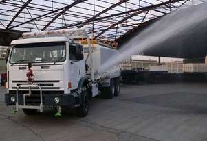 Iveco 2002 International ACCO 2350G