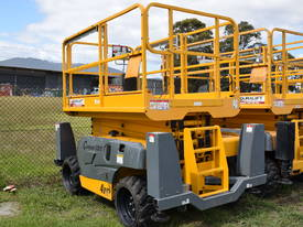 SCISSOR LIFT 32FT DIESEL