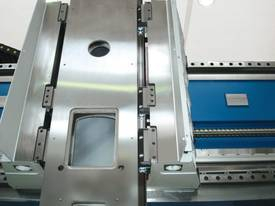 Rambaudi High Quality Italian 5 Axis Machining Centres - picture2' - Click to enlarge