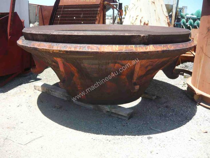 NEVER USED SYMONS CONE CRUSHER 7Ft LINER