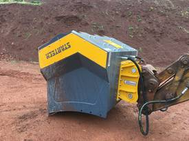 12-21T Excavator/Loader SCREENING-CRUSHING BUCKET - picture12' - Click to enlarge