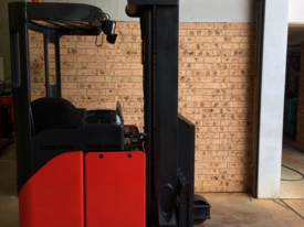 National Forklifts - Linde Late Model R16HD 9.1m - picture0' - Click to enlarge