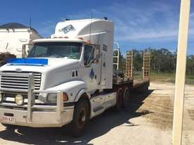 Sterling AT9500 and Taylor Semi Tri-axle - picture0' - Click to enlarge