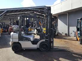 Nissan PL02 Forklift 2.5 Tonne 4000mm Lift Height  - picture2' - Click to enlarge