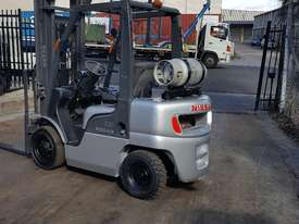 Nissan PL02 Forklift 2.5 Tonne 4000mm Lift Height  - picture3' - Click to enlarge