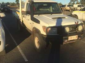 Toyota landcruiser workmate  - picture0' - Click to enlarge