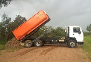 Volvo   FL7 Hook Truck and bins