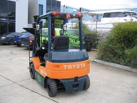 TOYOTA 7FB25 Container Mast with 4.7 mtr lift - picture10' - Click to enlarge