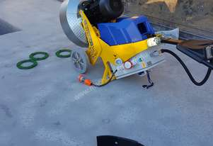 Concrete grinder and dust extractor