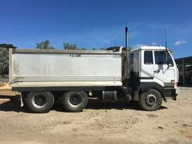 2005 UD CW445  Tandem Tipper with 2007 Hercules Quad Dog Tipper - picture3' - Click to enlarge