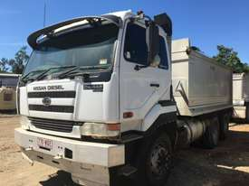 2005 UD CW445  Tandem Tipper with 2007 Hercules Quad Dog Tipper - picture6' - Click to enlarge