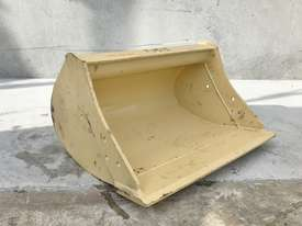 UNUSED 600MM DIGGING BUCKET TO SUIT 1-2T EXCAVATOR E026 - picture0' - Click to enlarge