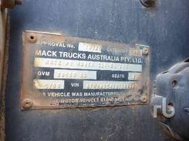 MACK CLR866RSX Prime Mover (T/A) - picture6' - Click to enlarge