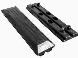 TUFFPAD RUBBER EXCAVATOR GROUSER PADS - picture1' - Click to enlarge