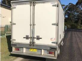 2007 Isuzu NPR300 Refrigerated Truck - picture4' - Click to enlarge