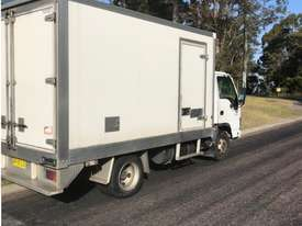 2007 Isuzu NPR300 Refrigerated Truck - picture2' - Click to enlarge